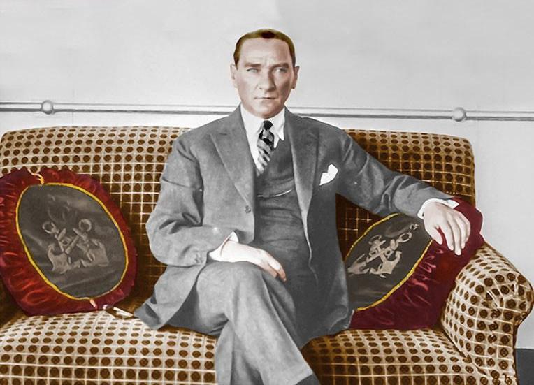 Atatürk Gülcemal Vapuru'nda