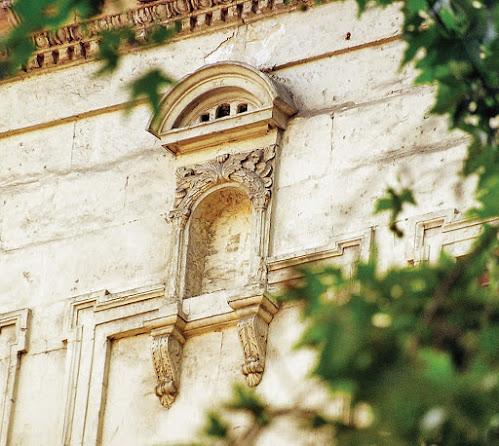Galata Selanik Pasajı Kuş evi